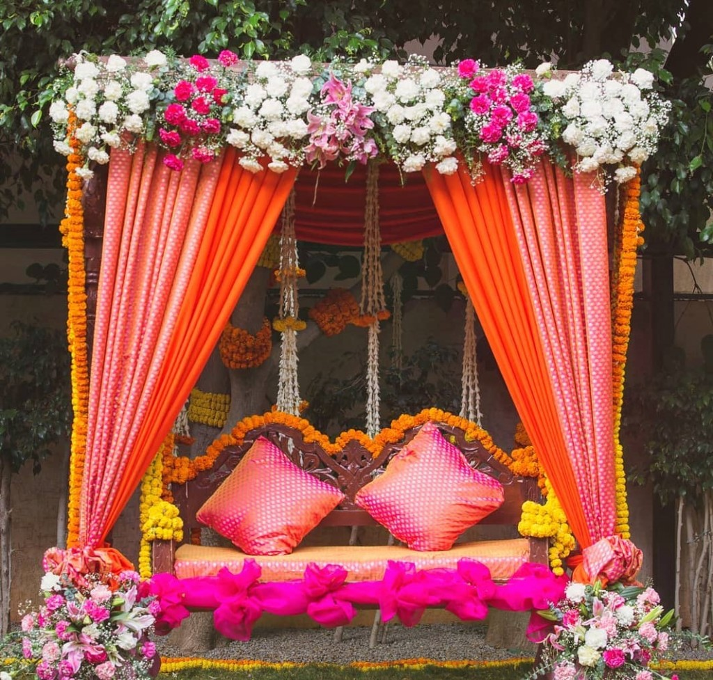 46 Awesome Ideas For Your Wedding Stage Decoration